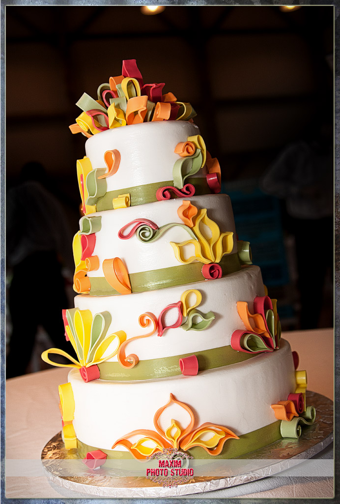 Cincinnati Wedding Photographers Best Wedding Cake Ever