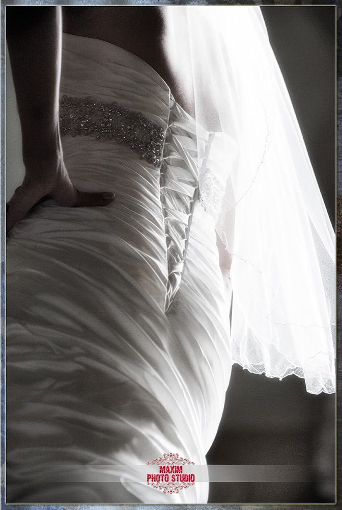 maxim photo studio captured the wedding dress photo